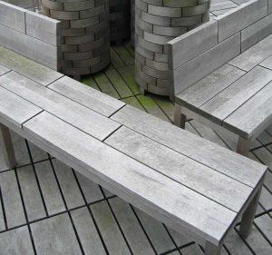 Balkon- und Terrassenboden aus Holz oder Stein