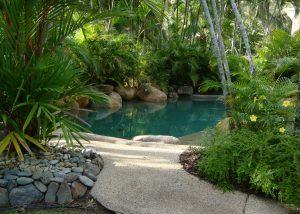 Schwimmteich selber bauen - worauf ist zu achten?